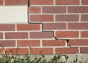 a foundation wall crack on a Bellmore home.